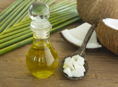Kokosöl-Hilfe bei Karies