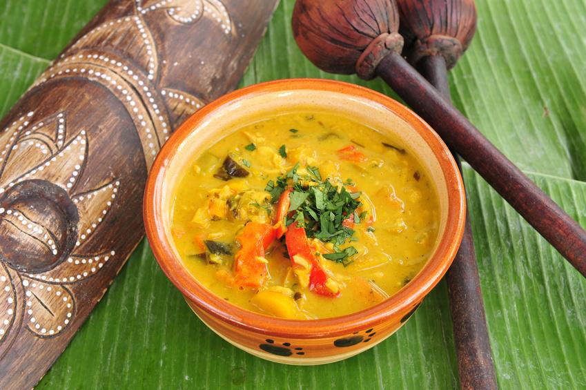 Kokosmilch-Curry mit Ananas und Paprika