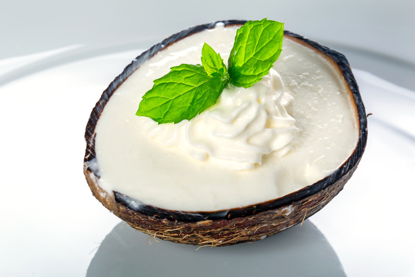 Hausgemachtes Kokosmilch-Eis ohne Eismaschine