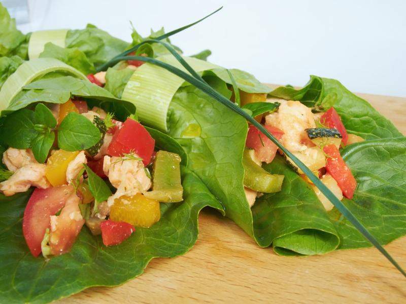 Salat-Wraps mit Kokoshähnchen