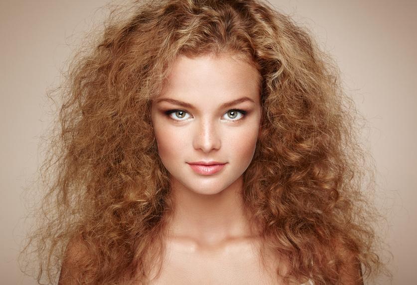 Kokossahne Haarkur gegen krauses, gelocktes Haar