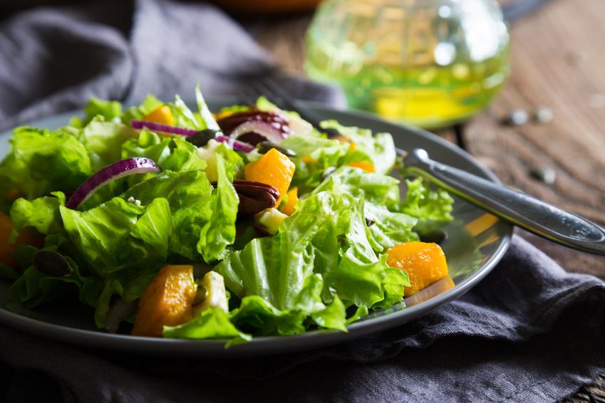 Paprika-Kürbis-Salat mit Apfeldressing